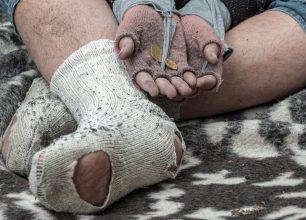 homeless-man-5520021_1920